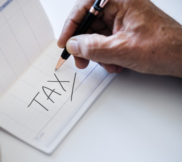 It's tax return time!  Learn how to claim your carbon tax credit for your 2018 federal tax return.